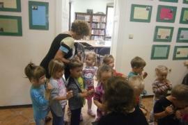 ciekawskie-misie-zwiedzaja-biblioteke_16