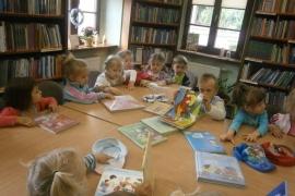 ciekawskie-misie-zwiedzaja-biblioteke_3