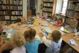 ciekawskie-misie-zwiedzaja-biblioteke_5