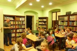 noc-w-bibliotece_1