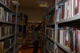 noc-w-bibliotece_17