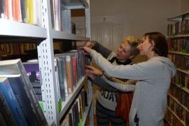 noc-w-bibliotece_20