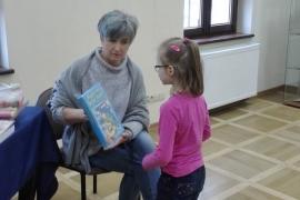 """Przedszkolaki w bibliotece - grupa """"Piesków"""""""