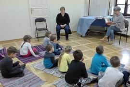 przedszkolaki-w-bibliotece_grupa-pieskow_4