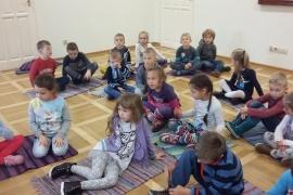 przedszkolaki-w-bibliotece_12