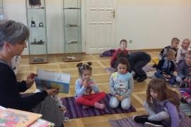 przedszkolaki-w-bibliotece_13