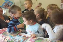 przedszkolaki-w-bibliotece_14