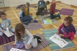 przedszkolaki-w-bibliotece_15