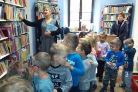 przedszkolaki-w-bibliotece_2