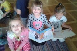przedszkolaki-w-bibliotece_23