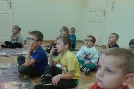 przedszkolaki-w-bibliotece_27