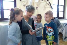 przedszkolaki-w-bibliotece_8