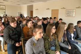 spotkanie-gimnazjalistow-z-alojzym-lysko_3