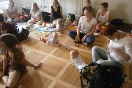 spotkanie-rodzicow-chustujacych-lipiec_11