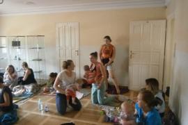 spotkanie-rodzicow-chustujacych-lipiec_19