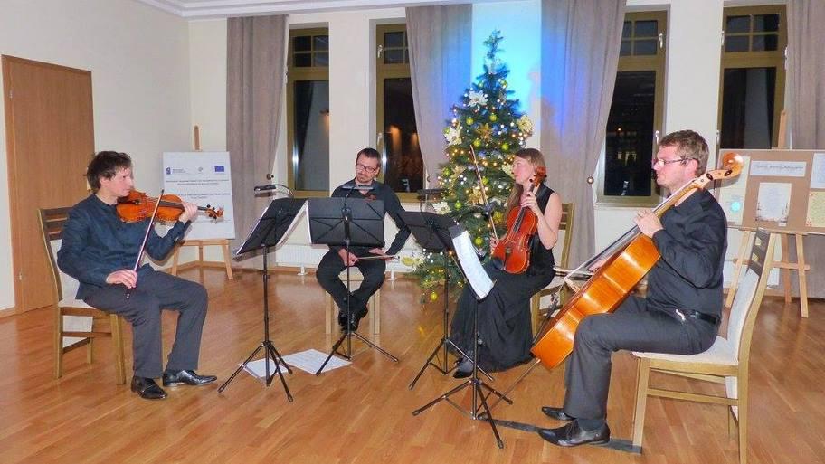 Koncert świąteczny naPlacu Farskim
