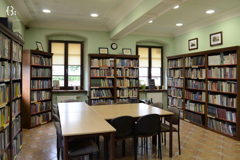 Biblioteka - czytelnia